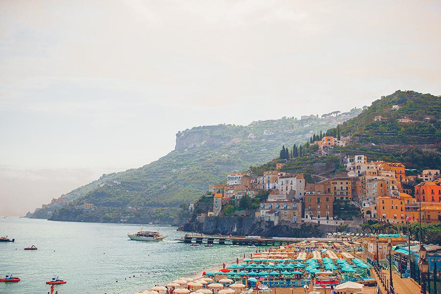 Organizza la tua vacanza nella costiera amalfitana