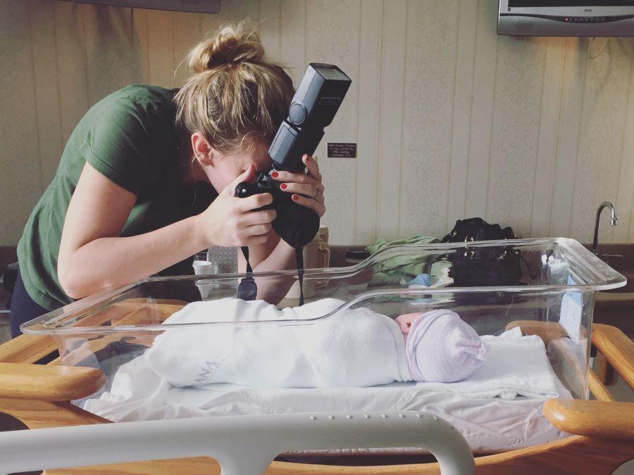 Ferma il tempo con i servizi fotografici newborn a Padova